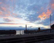 Sonnenuntergang in Edinburgh über Newhaven